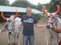 Mike settles into India life!